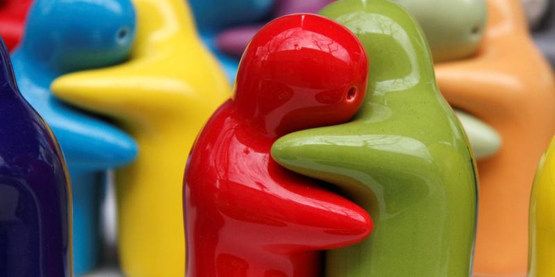 Hugs by Hien Nguyen hien_it 3298120975 EDIT